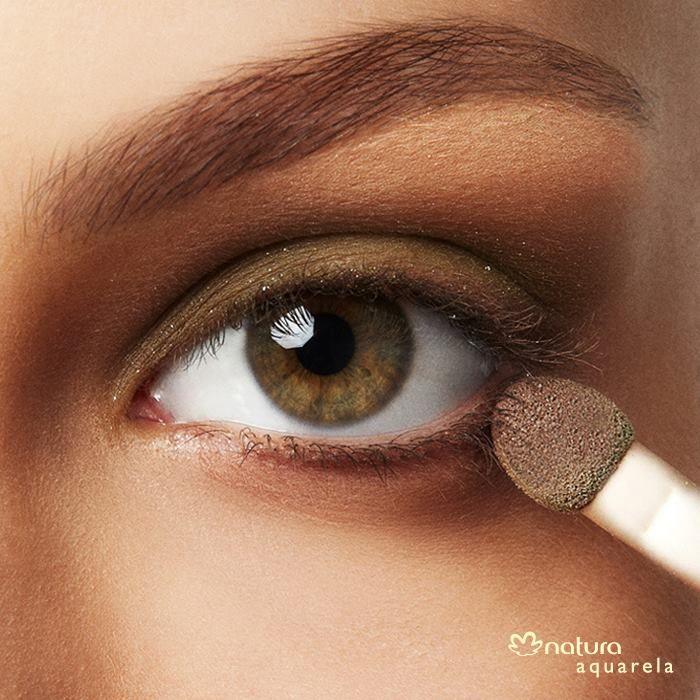 Aposte nas cores metalizadas e cintilantes para a #maquiagem da noite http://www.adoromaquiagem.com.br/dicas-maquiagem/ #NaturaAquarela #dica