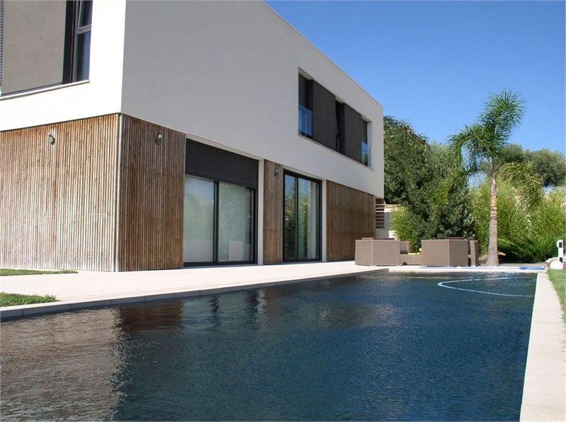 Maison du0027architecte cubique toit plat grandes baies vitrées de