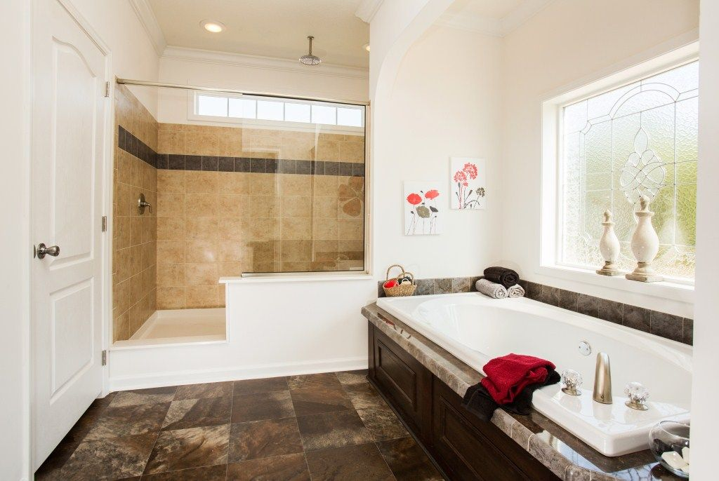 The Claremont RB614A (Rockbridge Modular Home) features an amazing master bathroom - it is called the Serenity Bath and it will wow you! A giant soaker tub and an even bigger walk in ceramic tile shower!