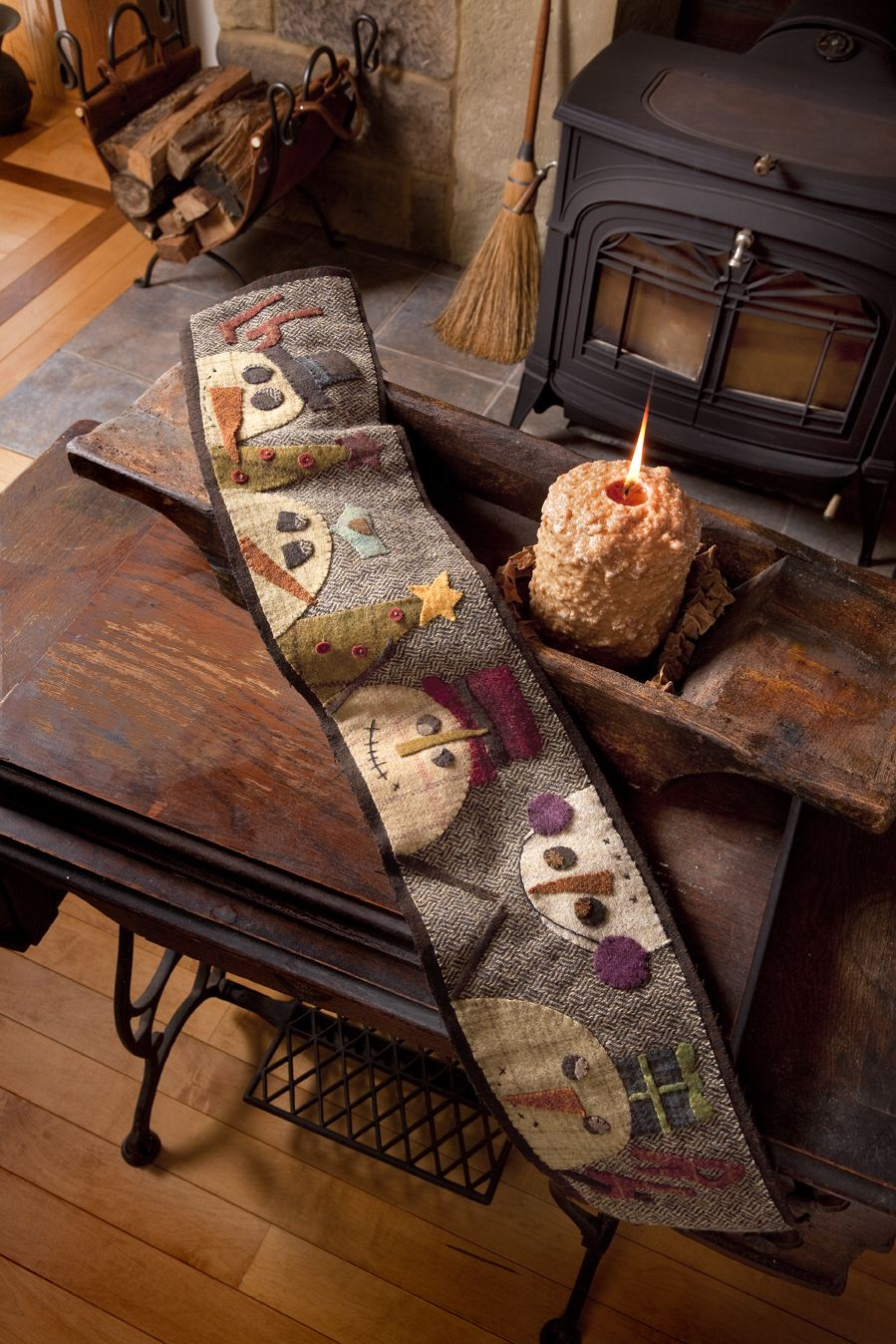PRIMITIVE PIECES by LYNDA: NEW Primitive Quilts and Projects book ... : quilting for christmas magazine - Adamdwight.com
