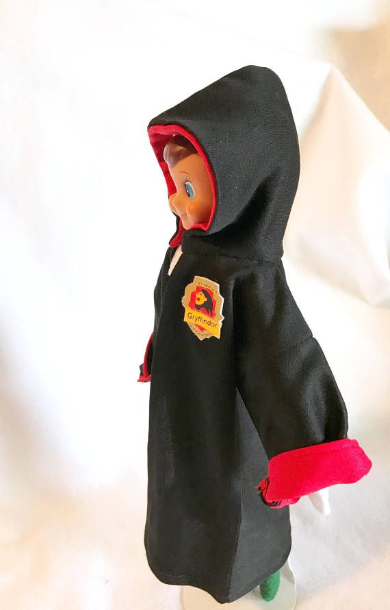 Harry Potter robe for Christmas elf doll. Black costume knit with red  lining in hood and sleeves. Badge made in Gryffindor style. e51261b11