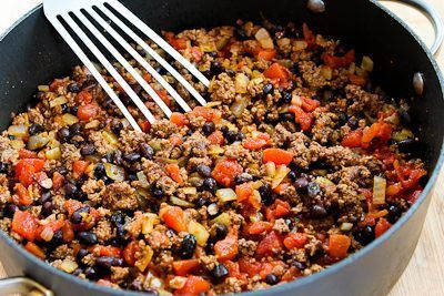 Spicy Green Chile Mexican Casserole Recipe With Ground Beef Black Beans And Tomatoes South Beach South Beach Diet Recipes Recipes Mexican Casserole Recipe