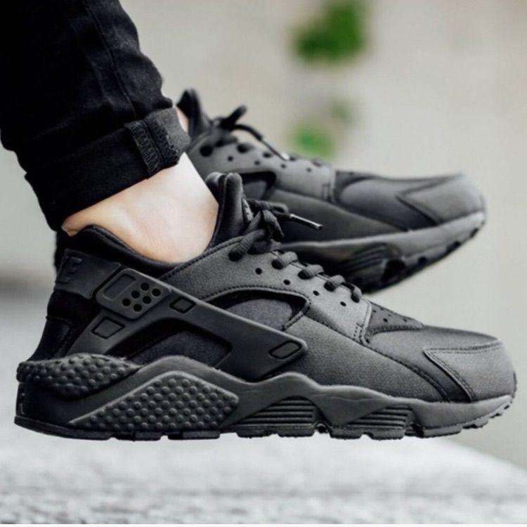Black Nike Huarache Women's Size 8