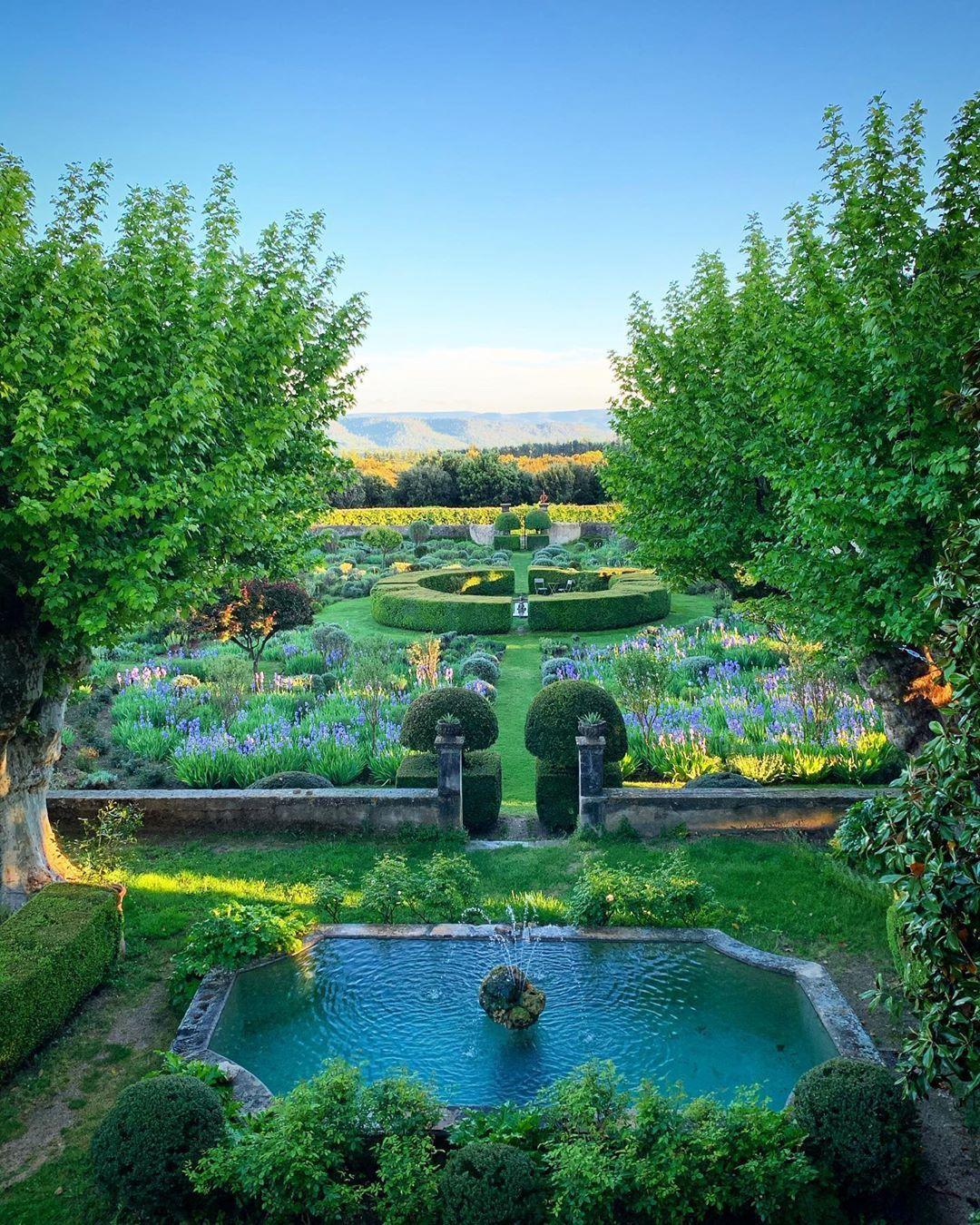 Pin on Garden Inspiration / Design/Whimsy
