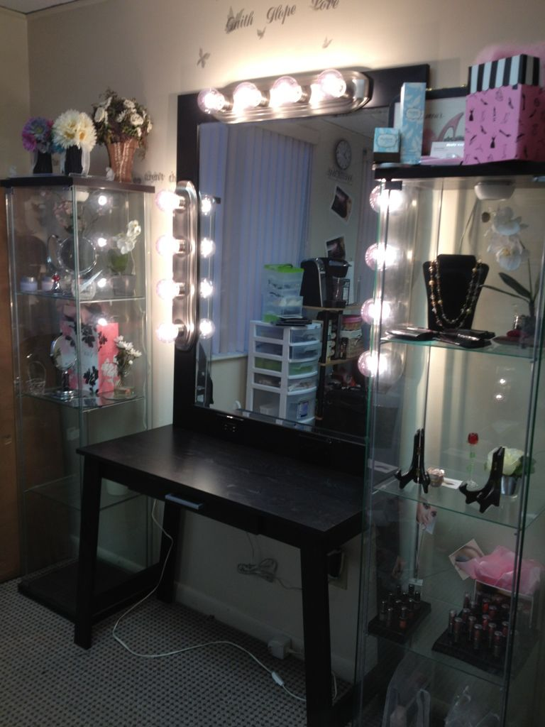 DIY Vanity Diy makeup vanity Makeup vanities and Diy makeup