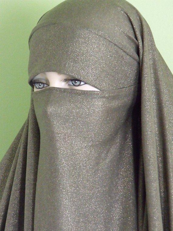 Pak Chador Olive Green With Gold Shimmer Khimar Niqab Etsy Model Pakaian Hijab Wanita Pakaian Islami