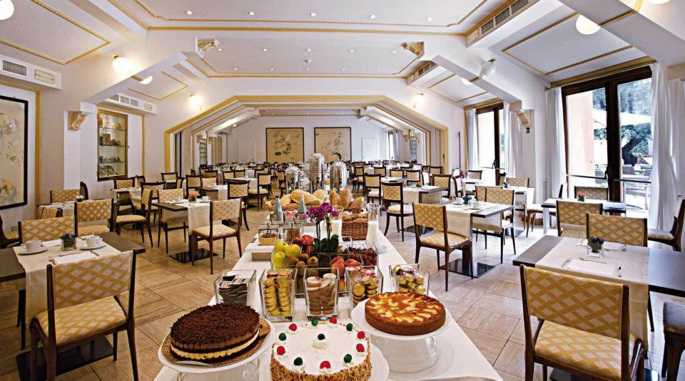 Per i golosi, da non perdere il delizioso tortino soffice con cuore di #cioccolato fondente e salse alla #vaniglia.