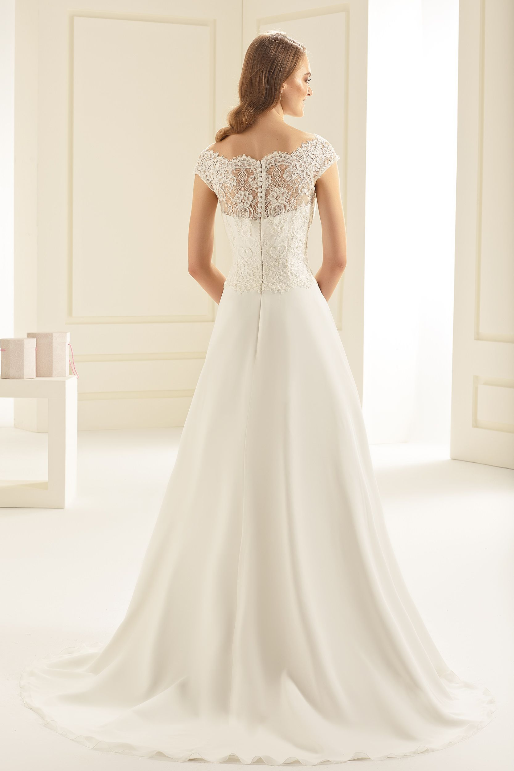 Trouwjurk Bianco Bridal Arizona | Pinterest - Boothals, Arizona en ...
