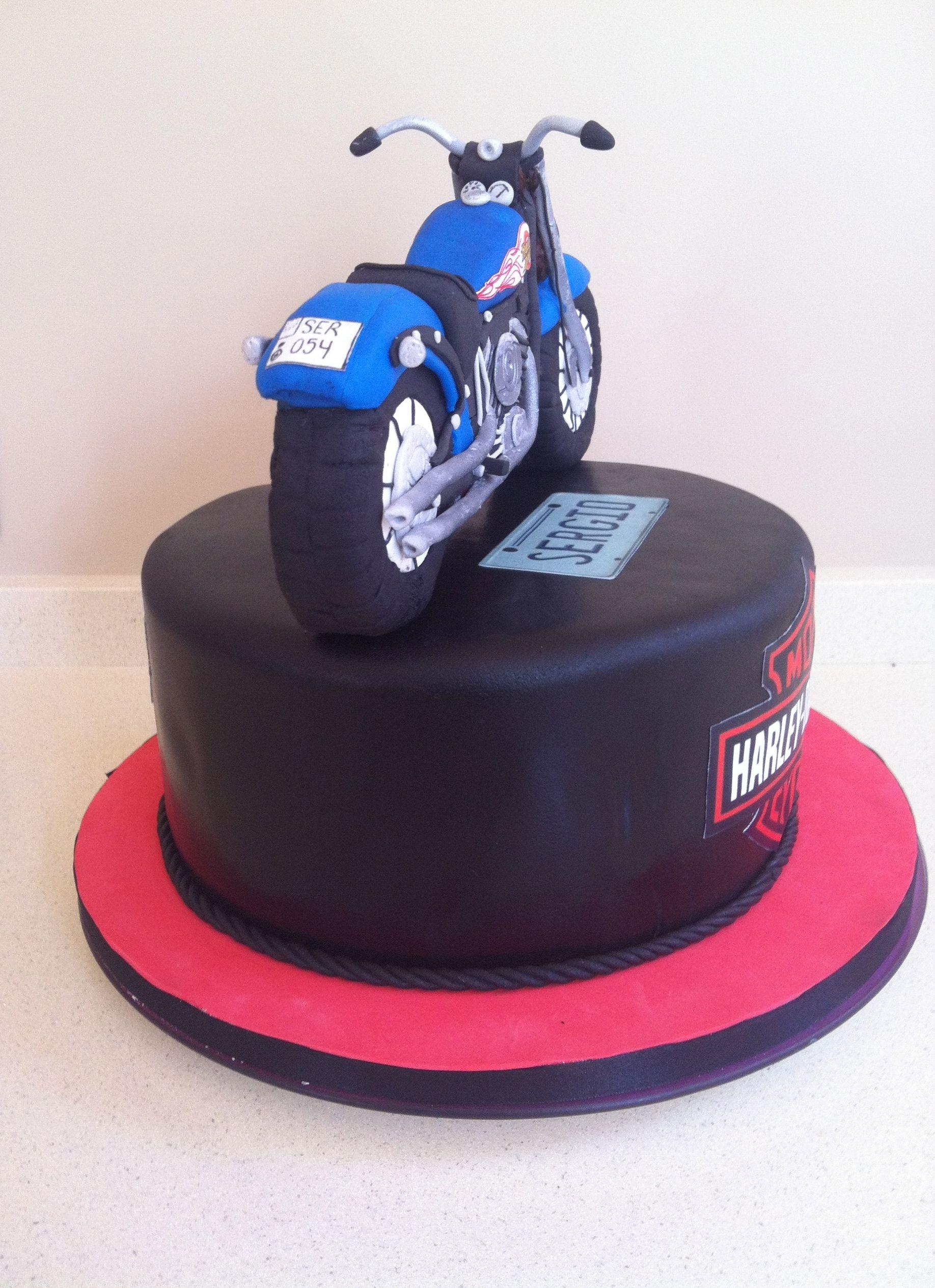 Tarta de Harley en fondant. Harley cake.