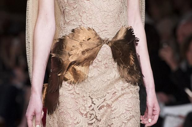 http://www.fashionising.com/runway/b--oscar-carvallo-details-haute-couture-aw13-58671.html