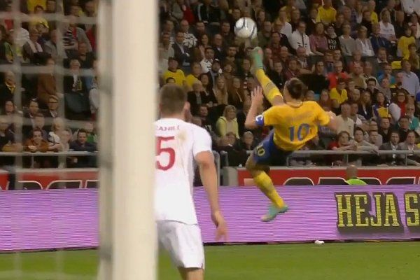 Zlatan Ibrahimovic Amazing Bicycle Kick Against England Golazo
