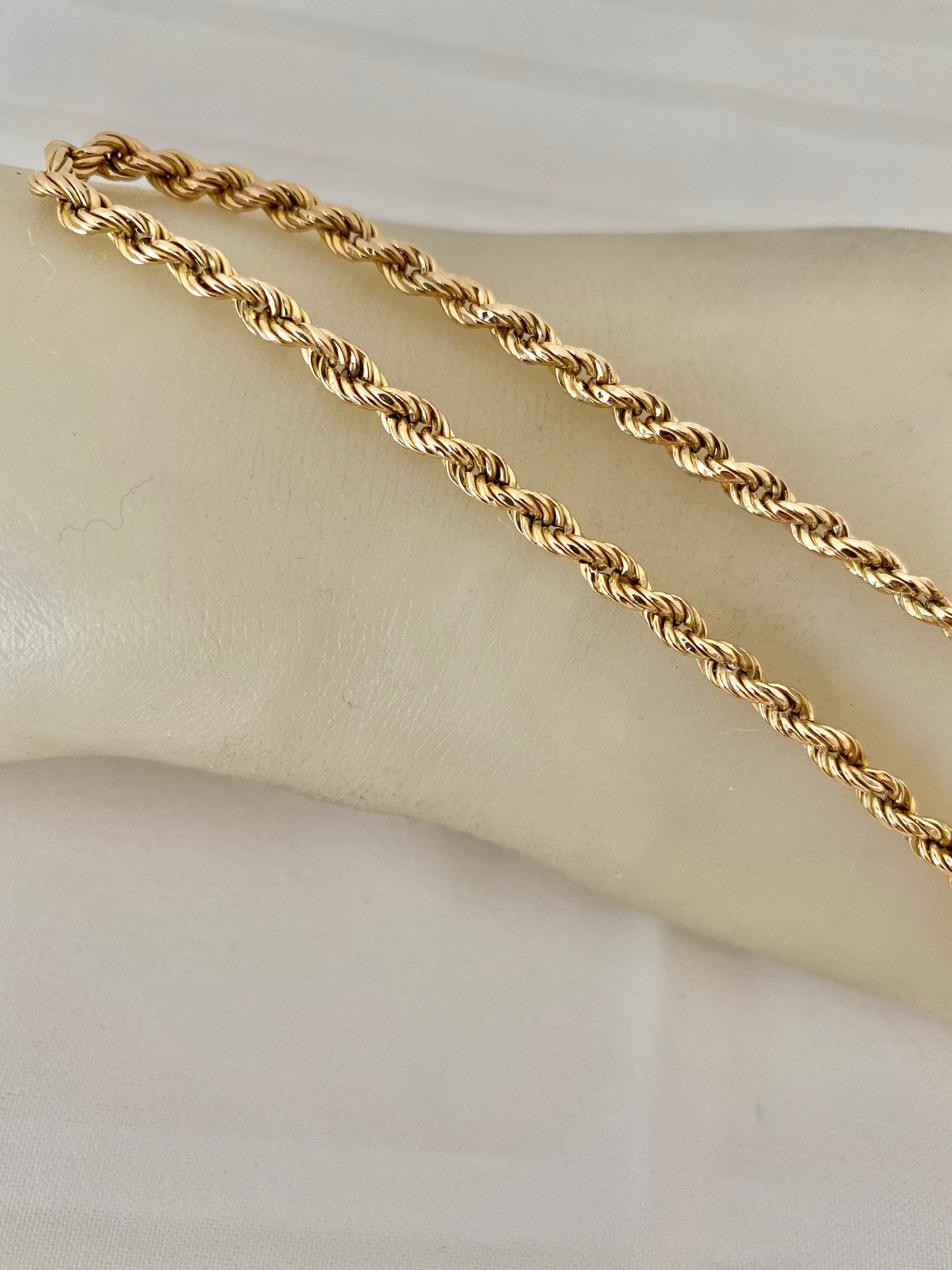 10k Gold Rope Chain Link Bracelet Yellow Gold 8 75 Length Weight 3 12 Grams In 2020 Chain Link Bracelet Gold Rope Chains Gold Chain Necklace