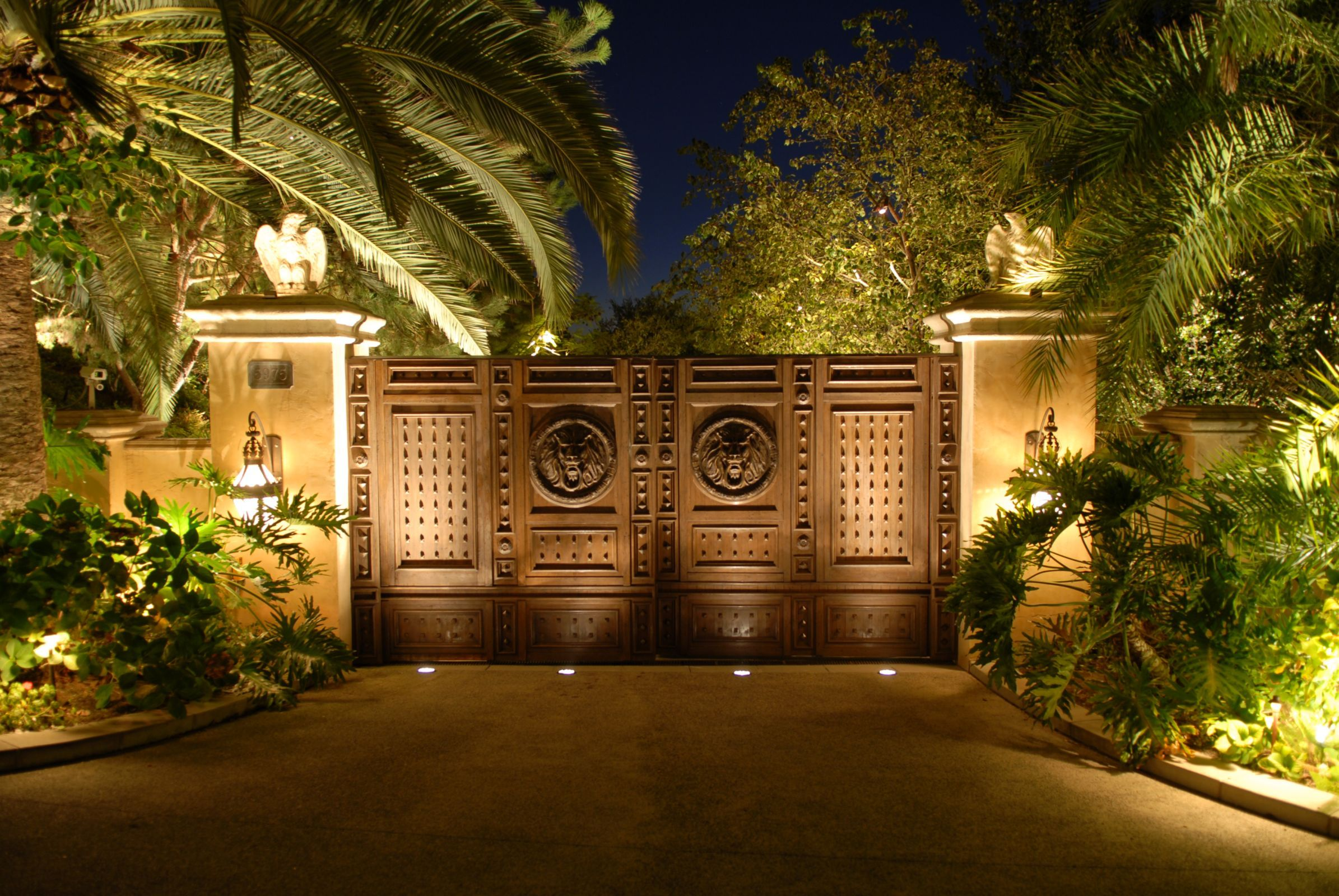 Main gate entrance to an estates i illuminated in 92067 by for Main entry gate design