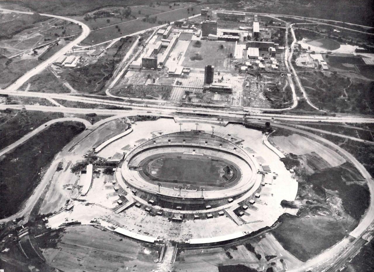 Vista aérea de la Ciudad Universitaria y el Estadio Olímpico en construcción, Coyoacán, México DF 1952 Aerial view of the University City (UNAM) and the Olympic Stadium under construction, Coyoacan,...
