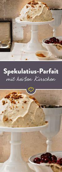 Spekulatius-Parfait mit heißen Kirschen