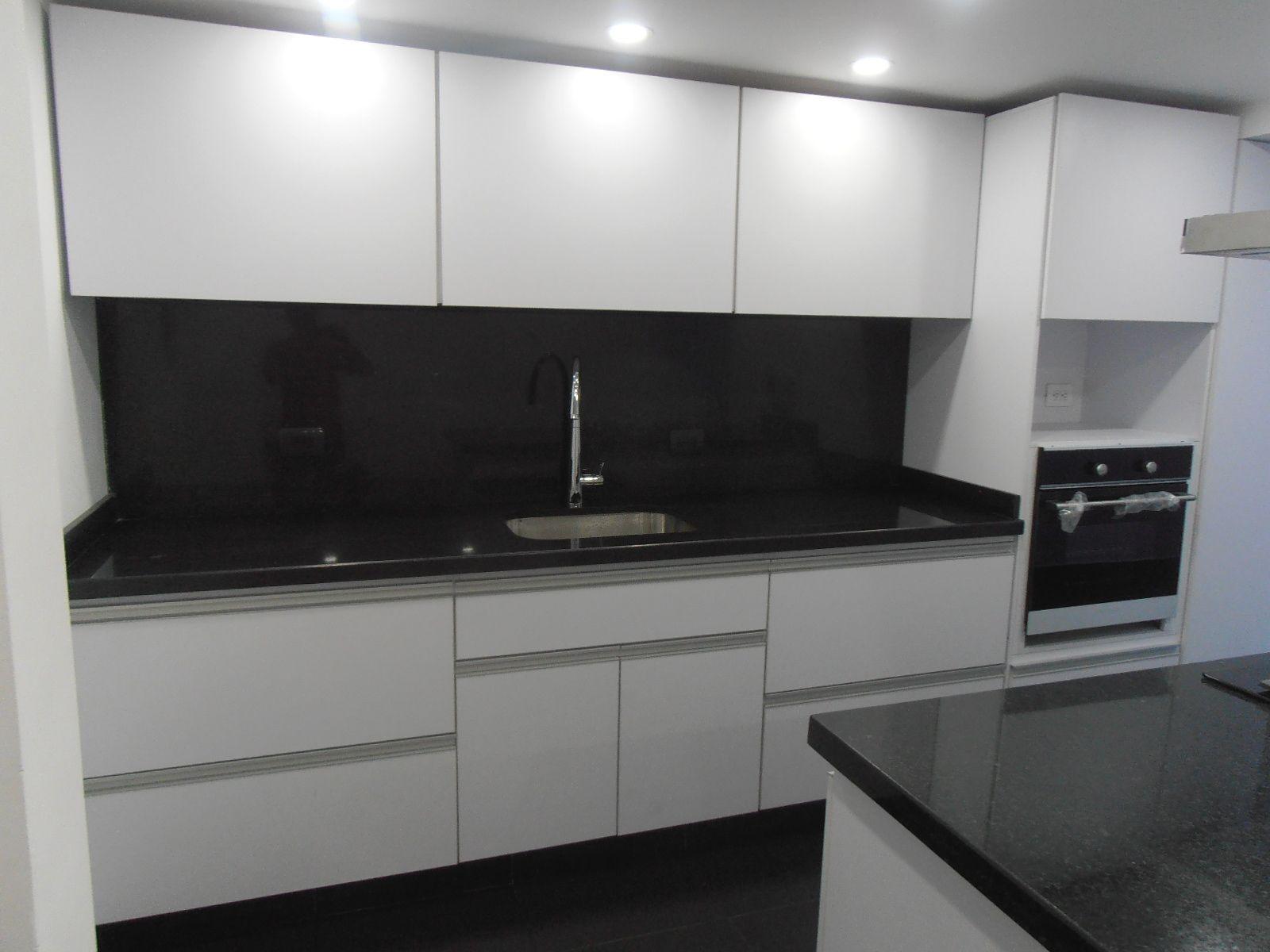 Cocina integral diseño blanca y negro | Ideas para el hogar ...