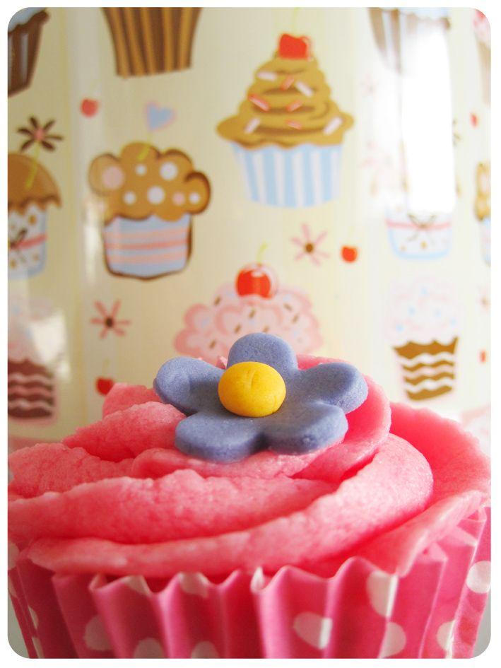 Cupcakes de fresa  ñam!!! Strawberry cupcakes   yummy!!!