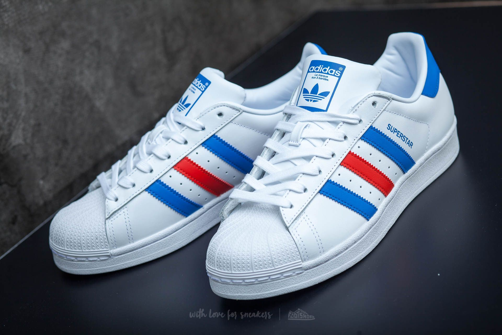 ADIDAS SUPERSTAR FTW WHITE  BLUE  RED  adidas  nmd  shoes  sneaker   sneakerhead  style  outfit  fashion  menstyle  trendway  trends  allstar   superstar 211e3f5bef