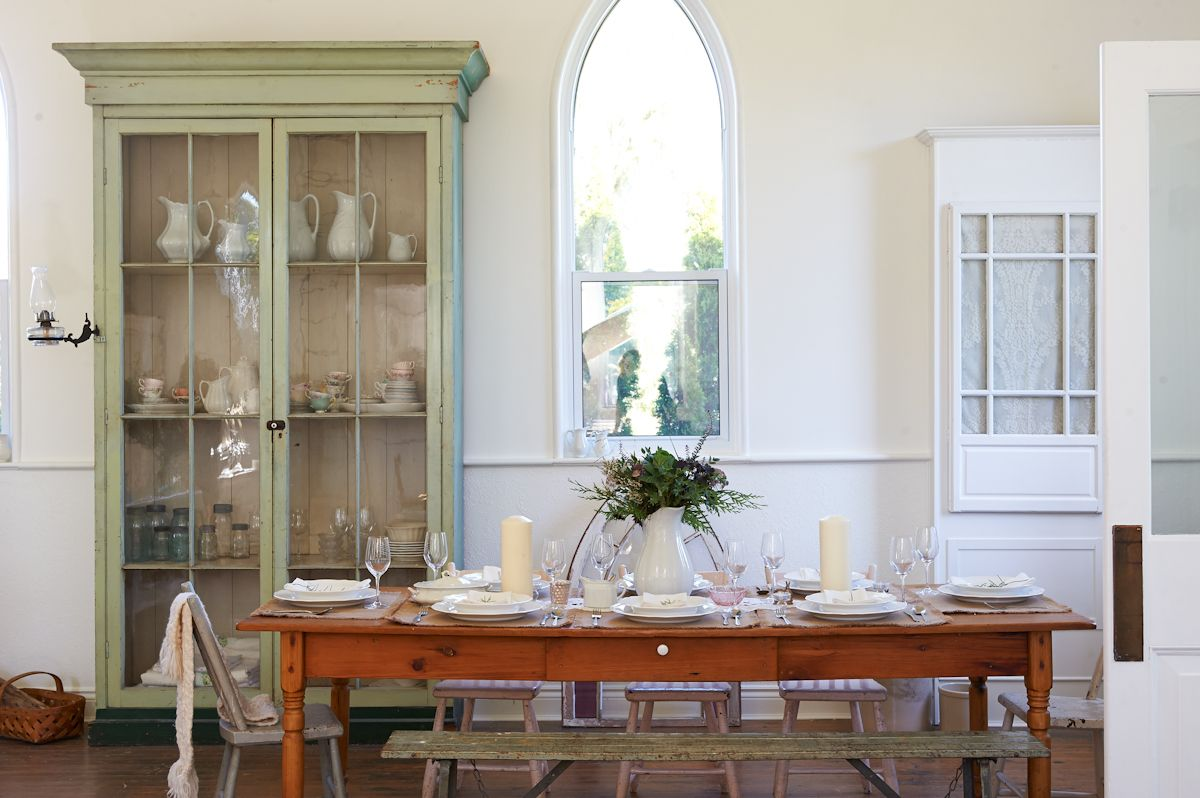 ALISON WESTLAKE holiday table decoration dining room love the touches of green
