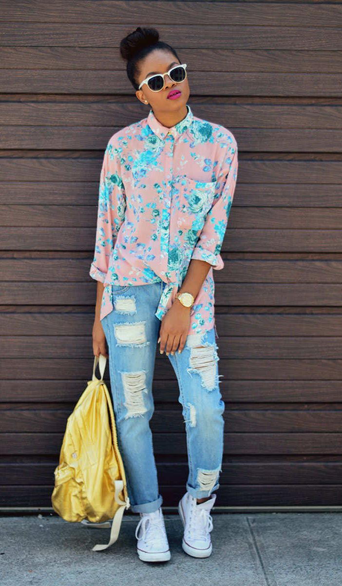 14 Ways to Wear Your Ripped Jeans Through Fall | Neon, Foxes and ...
