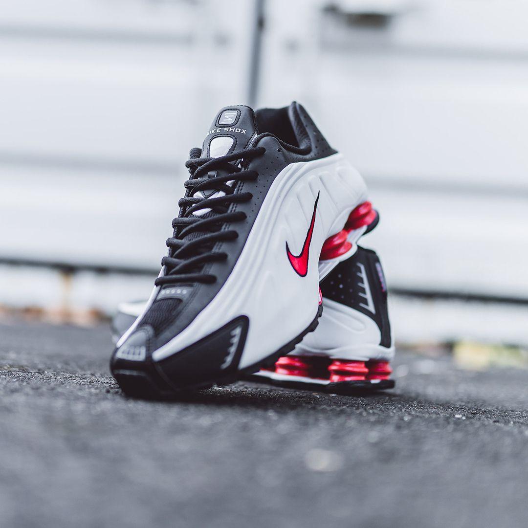 Nike Shox R4 In Bunt 104265 050 Everysize Nike Freizeitschuhe Sneakers Mode Herrenmode Schuhe