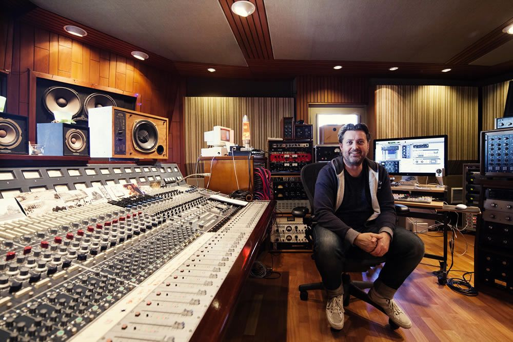 Engineer Michael Ilbert Mixes Multi-National Hits with UAD Plug-Ins - Blog - Universal Audio