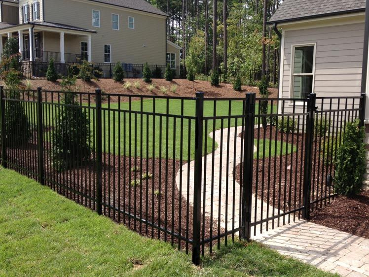 Providing You Quality Fencing That Is Built To Last Is Our Passion See How We Can Help You Today Visit Us At Www L Fence Options Vinyl Fence Fence Contractor