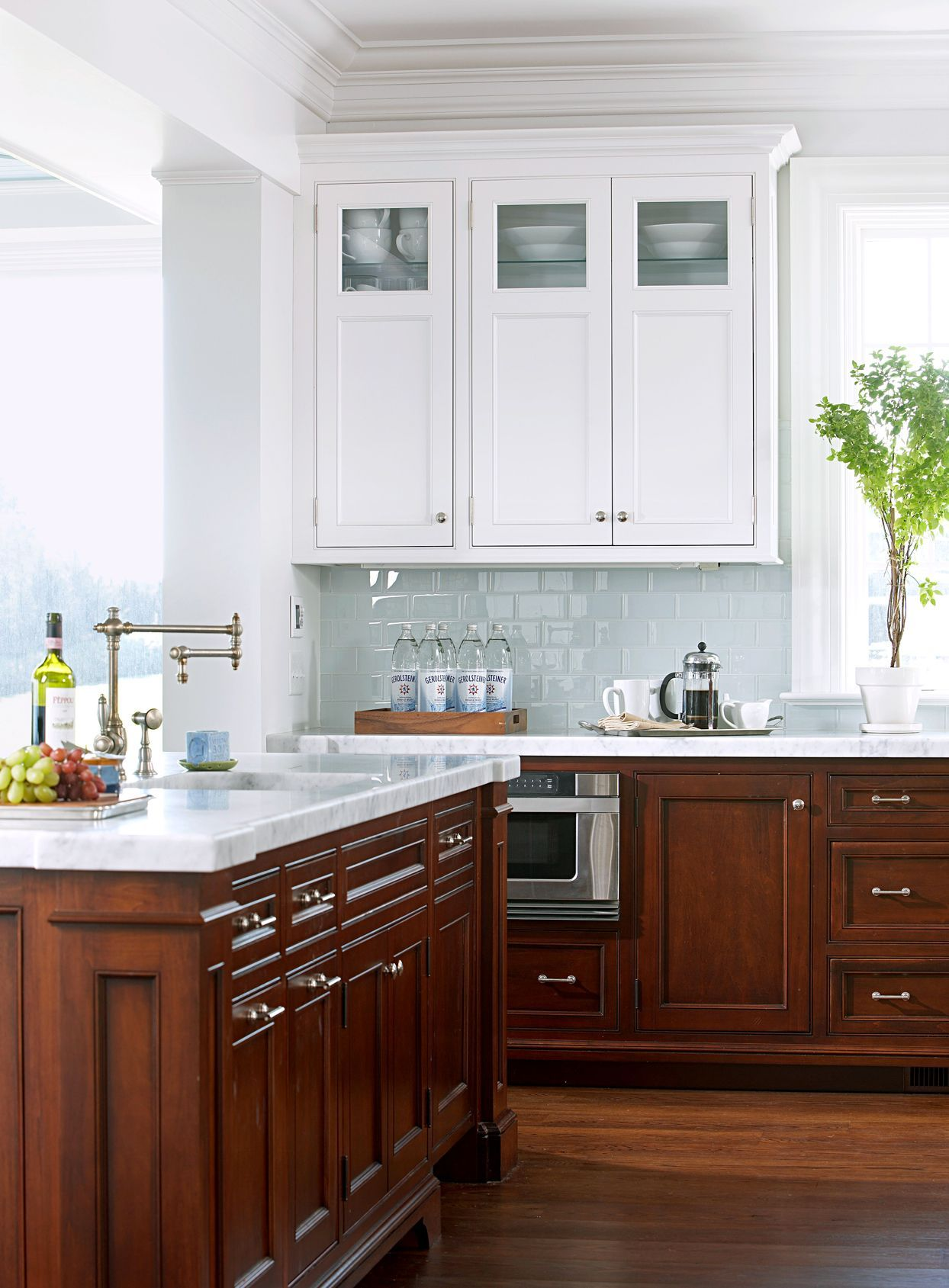The Easiest Way To Clean Kitchen Cabinets Including Those Tough Grease Stains In 2020 New Kitchen Cabinets Upper Kitchen Cabinets Clean Kitchen Cabinets