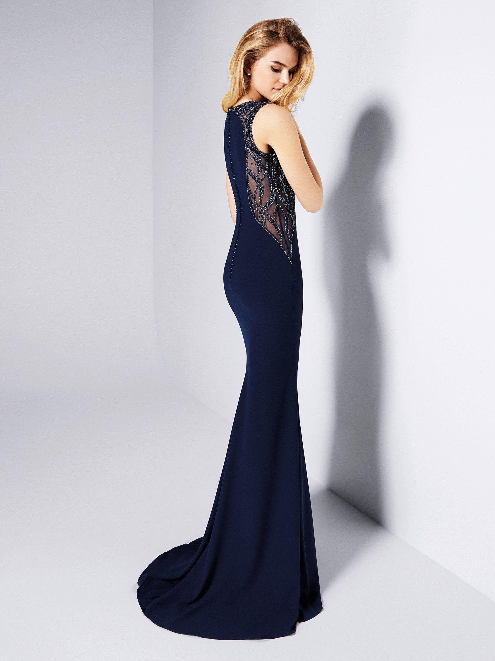 806454f3ed Vestido de invitada azul noche - Colección fiesta 2018 Pronovias ...