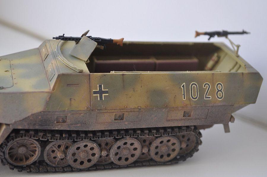 Sd  Kfz  251/1 Ausf  D - Karopka ru - stand models, military