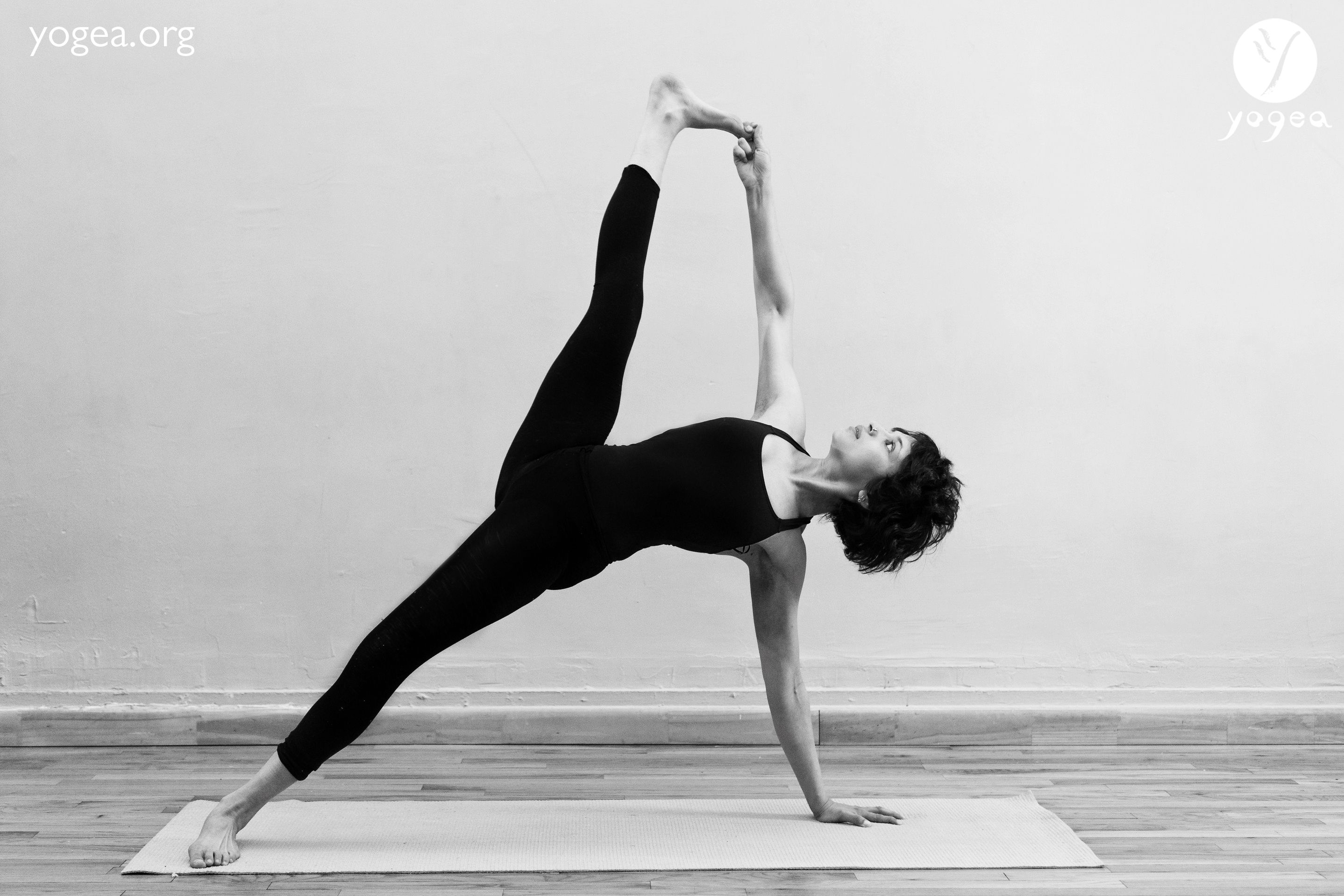 Vasisthasana Hanumanasana – Side Plank split pose   YOGEA ...