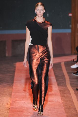 Obsession: Cédric Charlier Spring 2014 Ready-to-Wear Collection Slideshow on Style.com