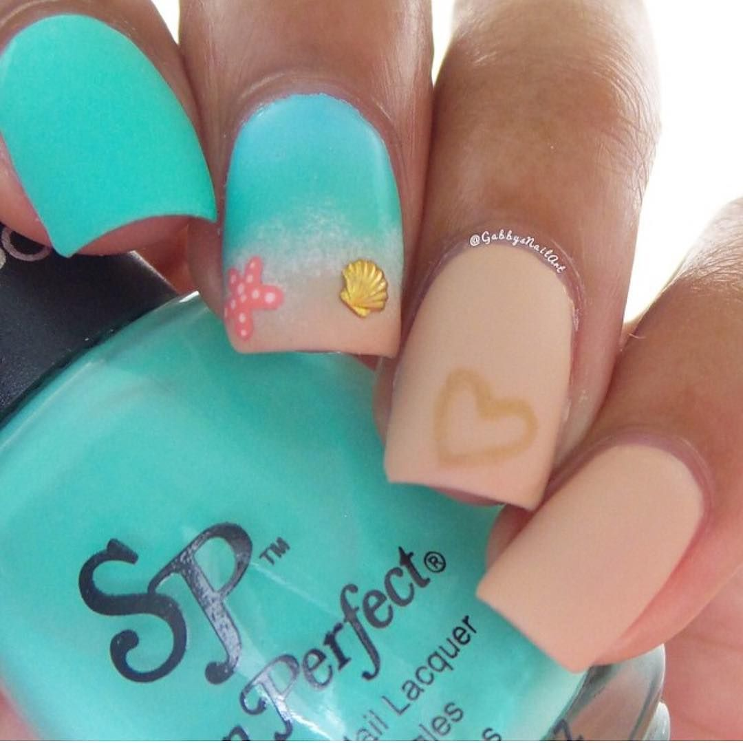 Cute beach nails by @gabbysnailart Ithis page! every post is a story ...
