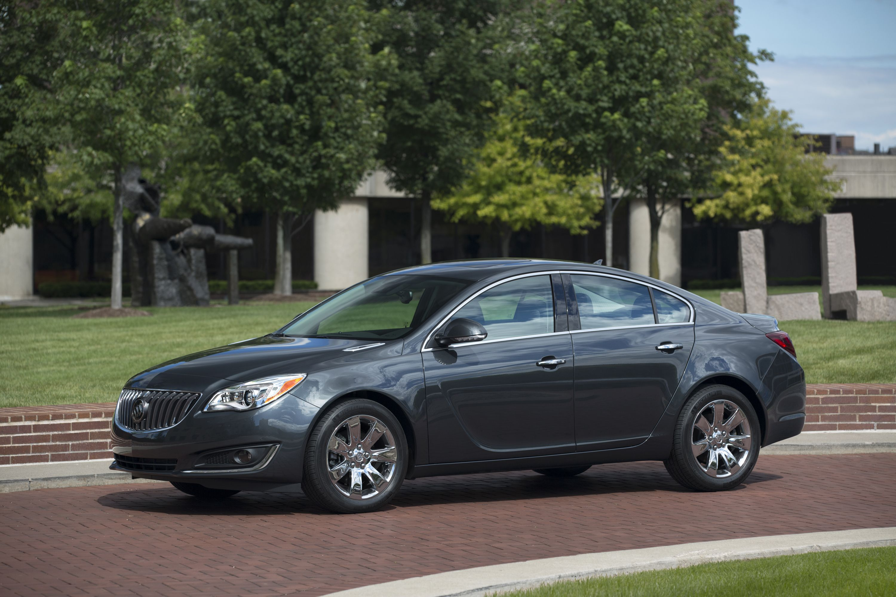 2014 buick regal in ashen gray exterior color and equipped with 18 wheels sunroof