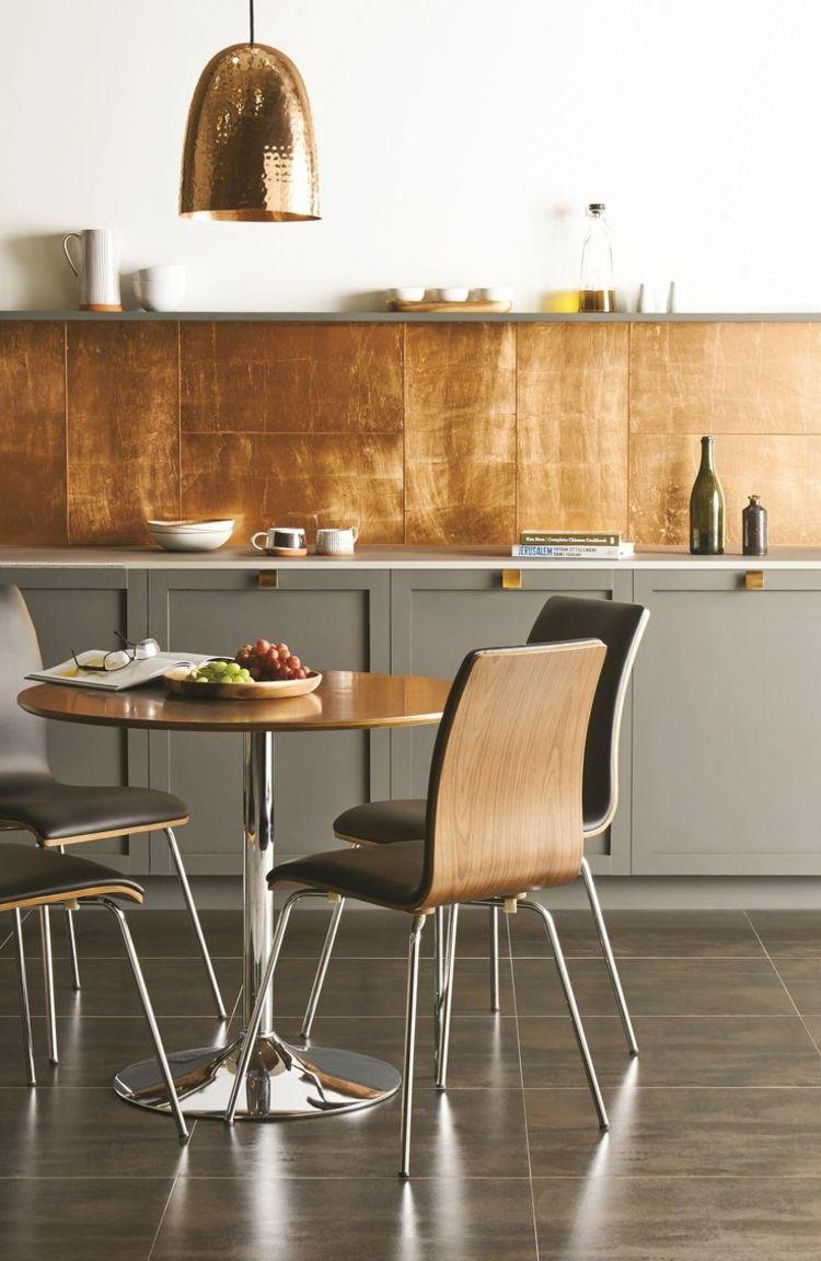 Moderne Küche Mit Kupfer Paneelen
