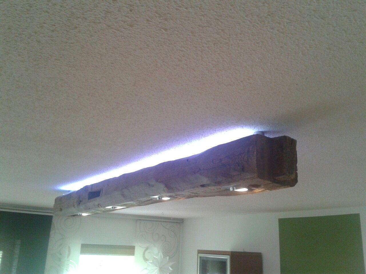 alter holzbalken mit direkter und indirekter led beleuchtung lampen aus alten holzbalken. Black Bedroom Furniture Sets. Home Design Ideas