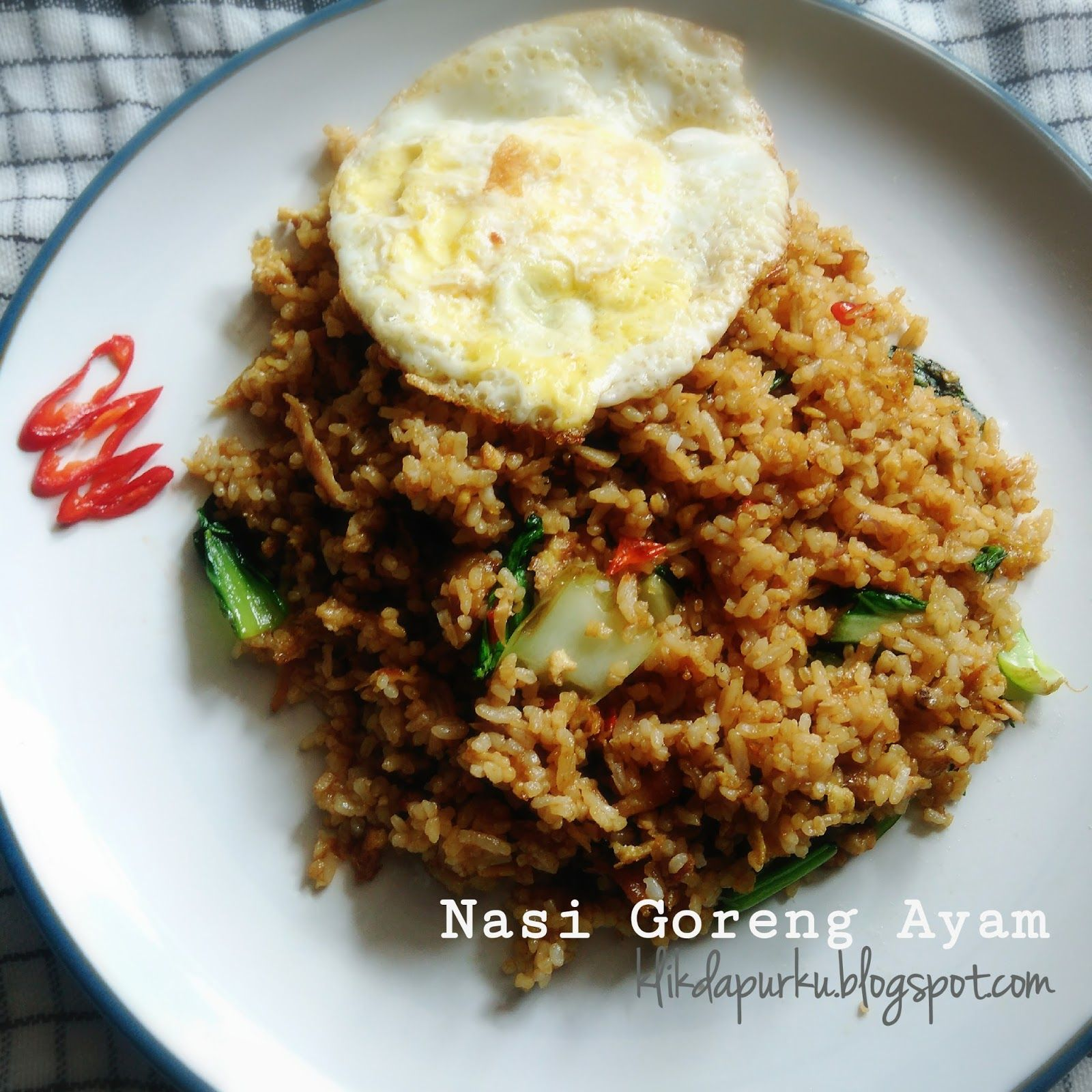 Nasi goreng adalah makanan Indonesia, yang sudah mendunia ...