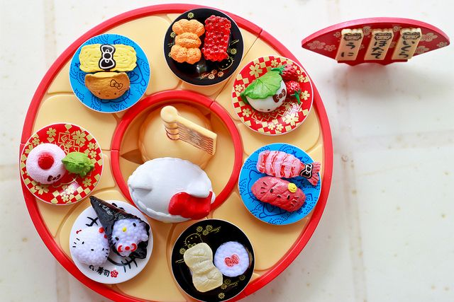 Re-ment sushi collection. Oh if only I had this kind of talent :)