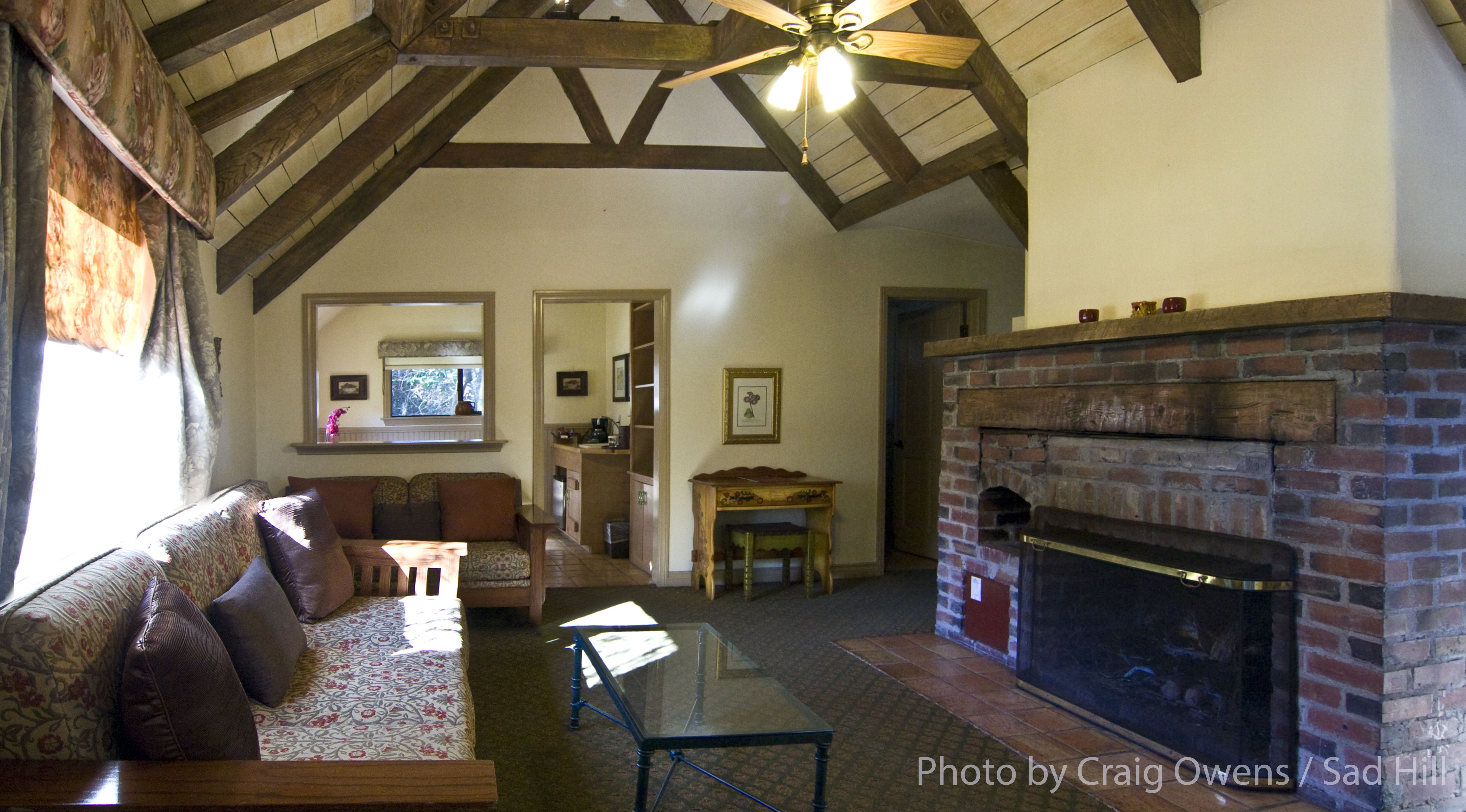 Interior Of Pierpont Inn' Larger Rose Garden Cottage