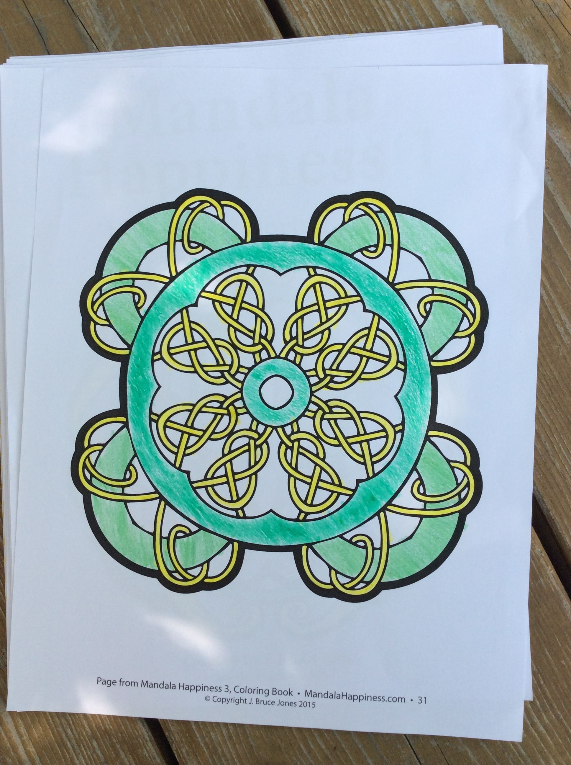 coloring up a irish design from Mandala Happiness 3 Celtic Designs ...