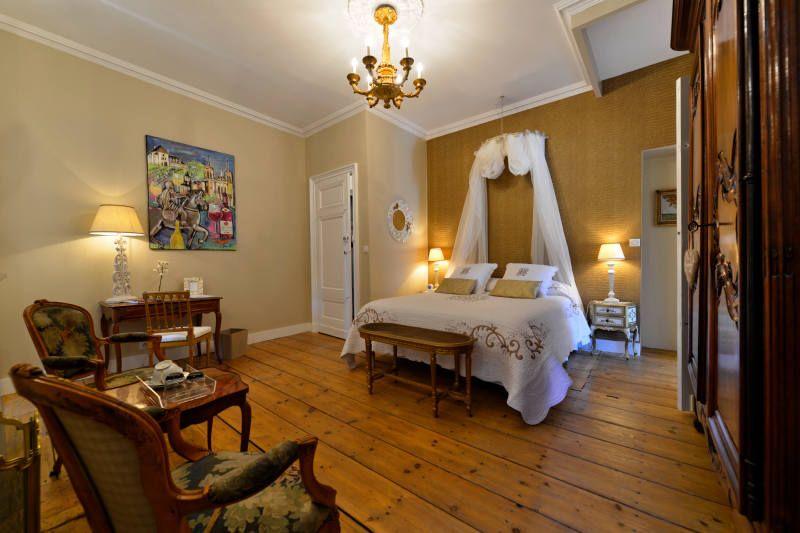 Une belle chambre aux dimensions généreuses (30 m2), pouvant