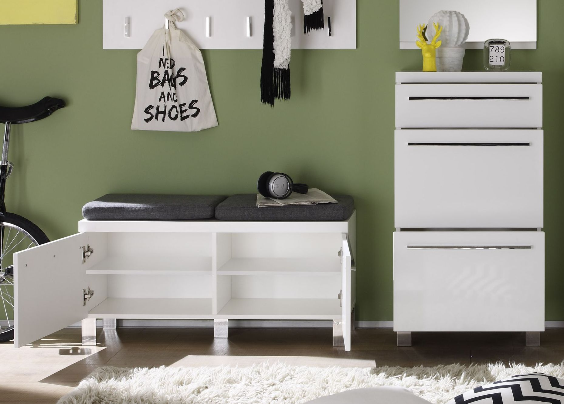 die besten 25 garderobenset ideen auf pinterest schr g v ups garderoben set ikea und walk in. Black Bedroom Furniture Sets. Home Design Ideas