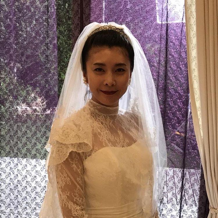 公式 コンフィデンスマンjp 2019年公開 さんはinstagramを利用しています 本日4 1は 香港マフィアの女帝 ラン リウ を演じる 竹内結子 さんのお誕生日 おめでとうございます その冷酷さから氷姫のいう異名を持つランリウ だが 女帝