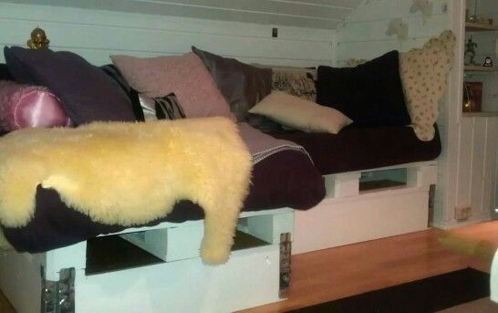 Palle sofa på jente rommet