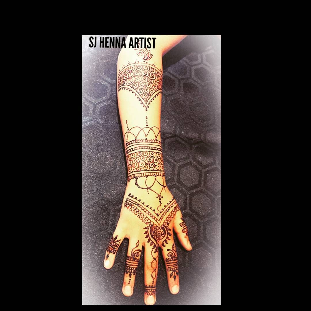 Beautiful Henna design one of so many different styles & patterns we can apply for all occasions.. Low pricing & High Quality service.. message us your requirements for no obligation quotations.! SJ Henna Artist. #luton #henna #mehndi #mehendi #mehandi #hennatattoo #hena #bridalhenna #bridalmehndi #bridalmehendi #bridal #bridalmehandi #bridalhenna