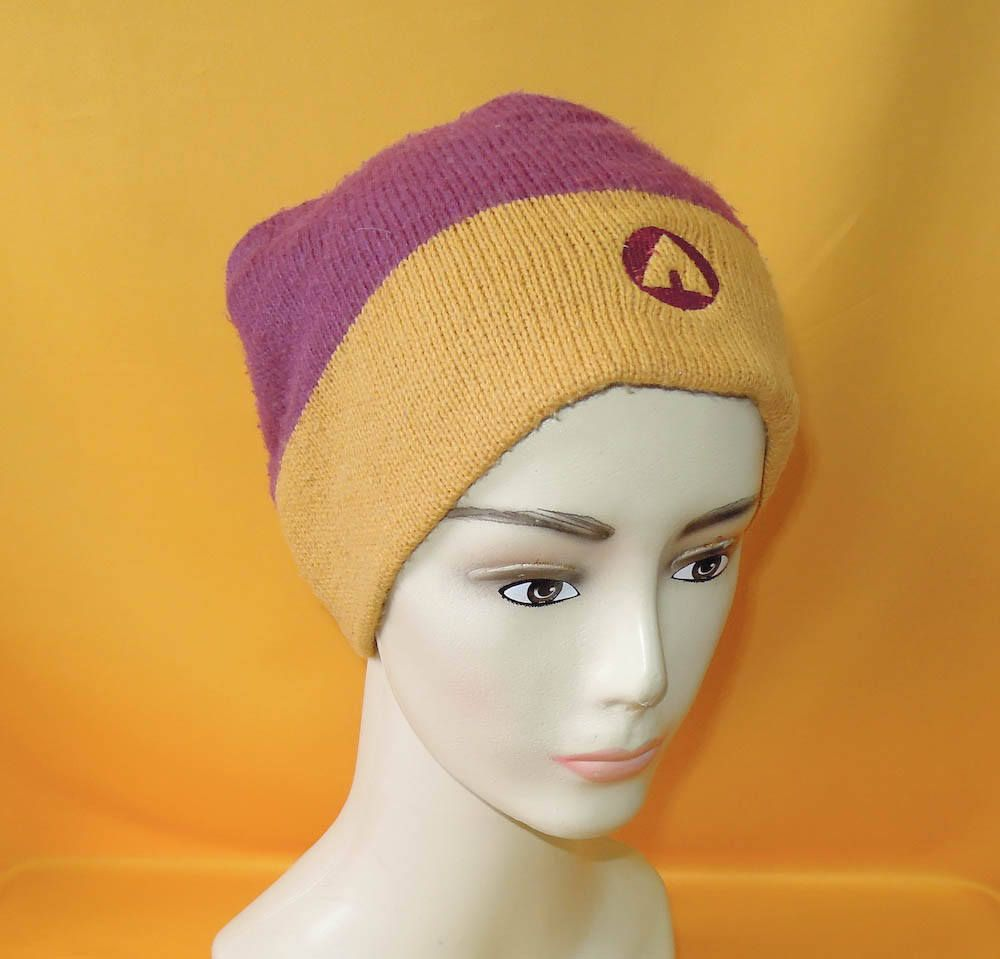 3c1598e9f0a945 Airwalk Beanie Ski Hat Skateboarding Vintage 90s Signature Logo Two Tone Acrylic  Snow Cap Made In USA by InPersona on Etsy