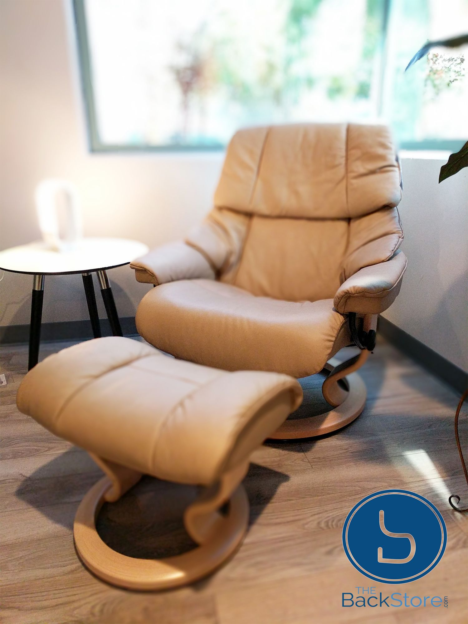 Stressless Recliners With Ottoman Stressless Reno Large Recliner With Ottoman Vegas By