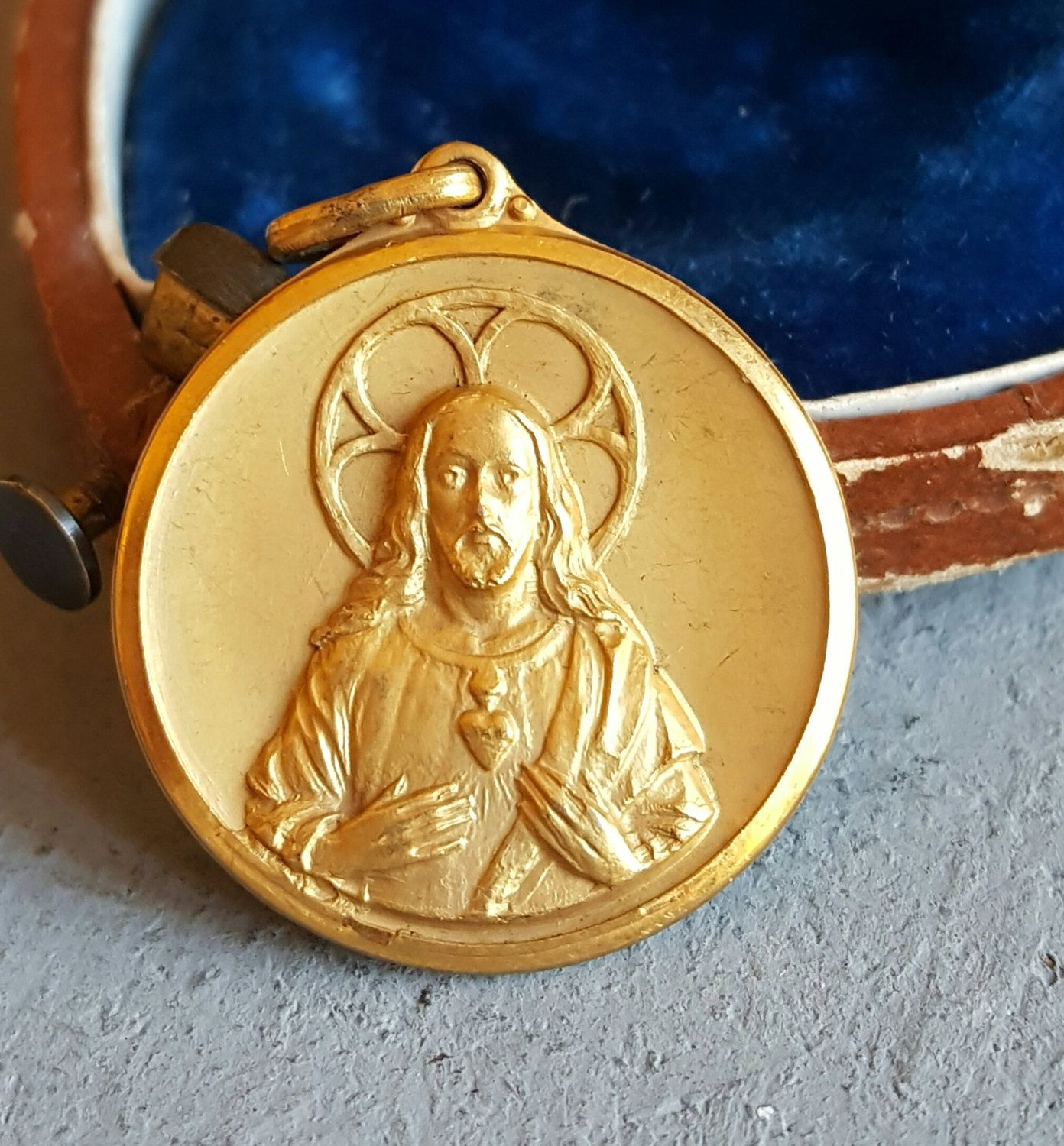 Vintage Spanish Sacred Heart of Jesus Medal 14K Gold Plated Jesus
