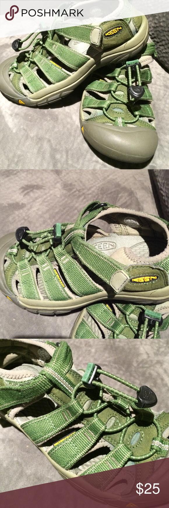Keens green sandals size 4 unisex Loved but still have lots of life Shoes Sandals & Flip Flops