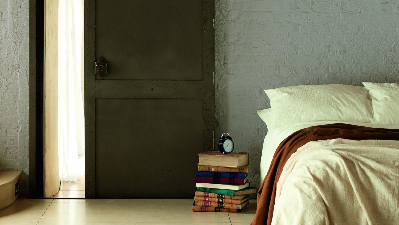 Warme Slaapkamer Koelen : Gebruik koele neutraaltinten voor een ontspannen slaapkamer